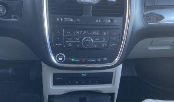 2014 Chrysler Town & Country full