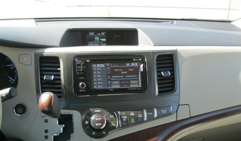 2014 Toyota Sienna XLE full
